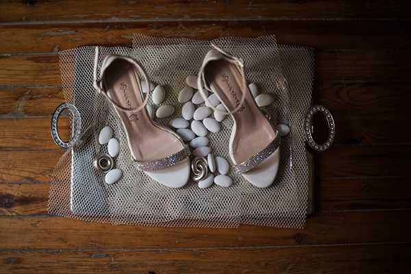 Νυφικά παπούτσια χρώματος ivoire με μπαρέτα