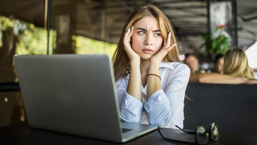 Κρίσεις Πανικού: Τί Είναι, Αίτια, Συμπτώματα & Θεραπεία/Αντιμετώπιση