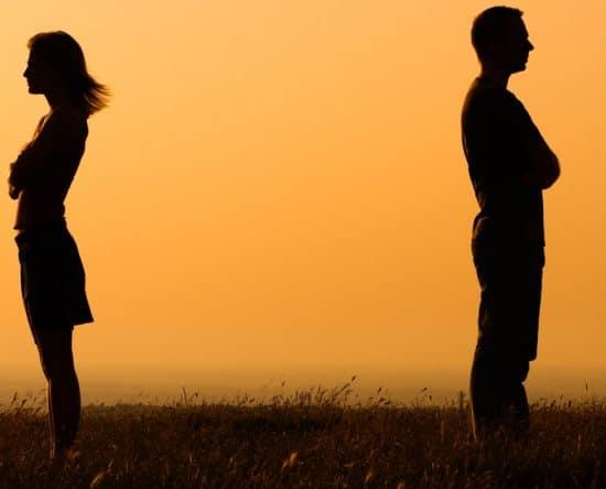 Χωρισμός: 5 Αποτελεσματικοί Τρόποι για να τον Ξεπεράσετε Ανώδυνα!