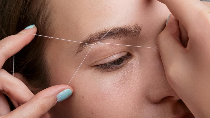 Αποτρίχωση με Κλωστή στα Φρύδια - Eyebrow Threading